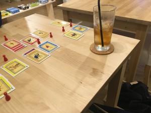 お酒を飲みながら遊べるのがベリーGood!です。こぼさないように気を付けまくります。